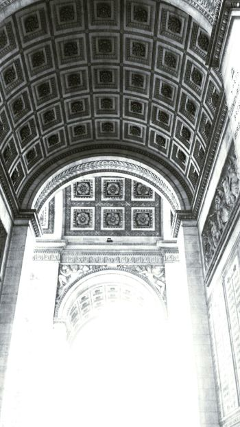 Shades Of Grey Paris Arcdetriomphe Monuments Napoleon Empire Holydaysinparis Underthearc Mythological Greekart