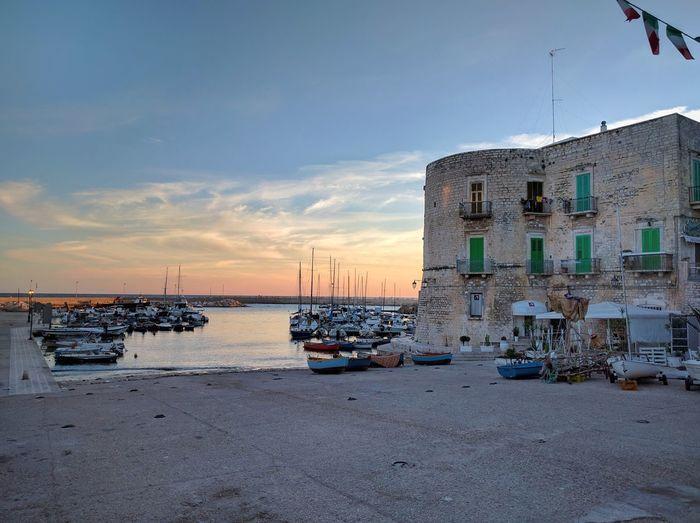 The Port at 6am. Sea Mare Nexus6P Huawei Puglia Apúlia Port Sunrise Italy Italia Phone Photography