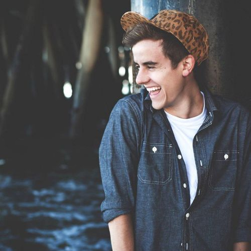 Connor Franta is just so cheek pinching cute. I forget he's 21. MCM Boycrushmonday