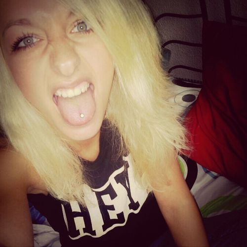 Rawr! Crazy Blonde Hair Dnt Care !! Tongue Piercing