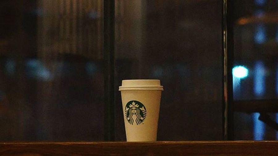 스타벅스 커피 비오는날엔카페 Coffee Starbucks 감성사진 내가찍음 스냅사진 스냅 Snap Photography Photo . . . 중국 우한 中国 武汉 소니 넥스6 Sony Nex6 미놀타 Minolta 美能达 minolta md 50mm f1.7