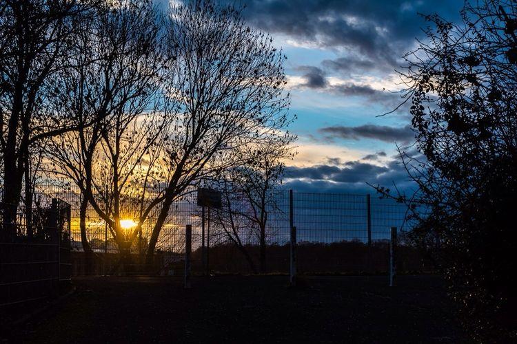 Sonnenuntergang hinterm Tremonia -Werk in der Weststadt