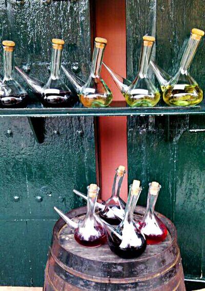 Difícil elección. Wine Street Photography Taking Photos Photo Enjoying Life Wine Tasting Alella