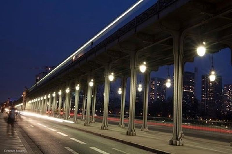 Pont de Bir-Hakeim, Paris. Paris Bridge Architecture Pont De Bir-hakeim Long Exposure Street Streetphotography Perspective Followme