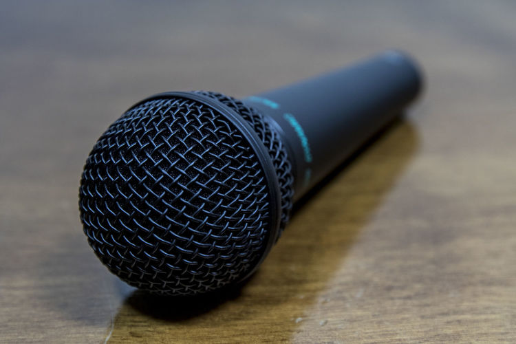 Arts Culture And Entertainment Close-up Communication Equipment Extreme Close-up Focus On Foreground Indoors  Input Device Macro Microphone Microphones Music No People Noise Performance Selective Focus Single Object Sound Recording Equipment Table Technology Wood - Material Wood Grain