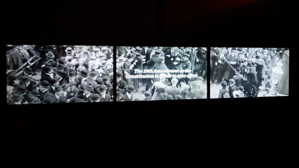 Visual Journal December 2016 - Union Station Durham Museum Omaha, Nebraska (Fujifilm Xt1,Fuji 10-24/f4 OIS) edited with Google Photos. 10-24mmWideAngle A Day In The Life Camera Work Documentary Film FUJIFILM X-T1 History Through The Lens  MOVIE Museum Omaha, Nebraska Photo Diary Series Storytelling Taking Photos Visual Journal