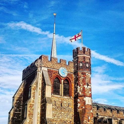 St. Mary's church with the English flag flying.. Stmaryschurch Stmarys Church Flag Englishflag England Hitchin Hertfordshire Building Winter December Bluesky ICAN Sony Sonyxperia XperiaZ3