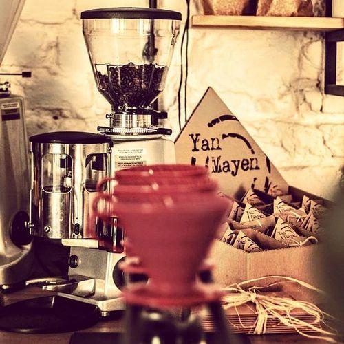 Poniedziałkowa kawa musi dać Wam mnóstwo energii... Dlatego tez polecamy na dzisiejsze upały Dripa na kostkach lodu!!! To niesamowita eksplozja smaku drzemiąca świeżo palonej kawie. Przekonajcie się sami. Rzeszowzaprasza Icecoffee Frappe Rzeszów Rzeszów Coffee Coffeetime Barista Aeropress Mobilnakawiarnia Kawa Instamood Instagood Instalove Instacoffee Igersrzeszow Kawarzeszowska Coffebreak Coffeetogo Coffeelove Love Photooftheday Happy Bestoftheday Instamood herbata kawasamasieniezrobi kawarzeszowska kawiarnia kawarzeszow drip