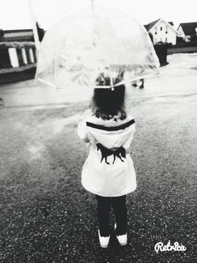 Дождь ребенок плохаяпогода дождик дожди☔