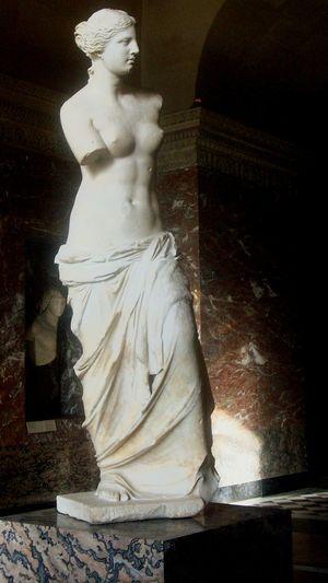 Sculpture Escultura Venus De Milo Venus Griega Marmol Louvre