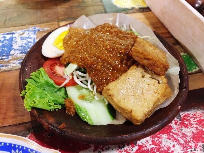 Pecel Komplit - Bale Soto Foodporn Foodgasm Food Indonesian Food