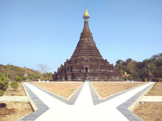 Religion Place Of Worship Pagoda Travel Cultures Pagodas Ancient Architecture Mrauk-U EyeEmNewHere Rakhine State Place Of Worship Pagoda Temple Ancient City Myanmarburma