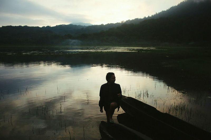 Pinggir Danau Tamblingan Lake Wonderful Indonesia Photooftheday INDONESIA IndonesiaPhotography Nature Water Bali, Indonesia Bedugul Silhouette