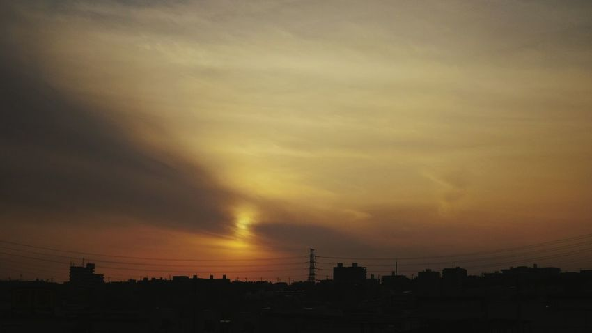 目的地に辿り着けなくてぐるぐるしてたら、夕焼け😃 This Evening April 2015 Sunset Silhouettes Steel TowerLC Sunset Mytown