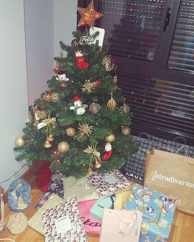 Navidad Nochebuena Christmas Christmastree Regalos Presents Dulcehogar Family December Winter Santaclaus 🎄🎁🎅