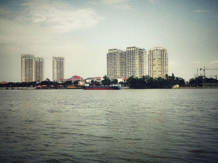 Bên Sông Sài Gòn Gb Lộc Nguyễn