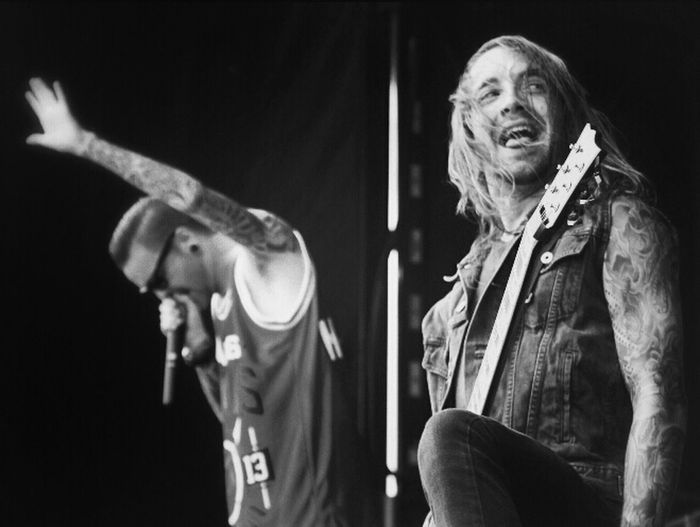 Memphis May Fire - Matty Mullins & Anthony Sepe. Vanswarpedtour Warpedtour Matty Mullins Memphis May Fire
