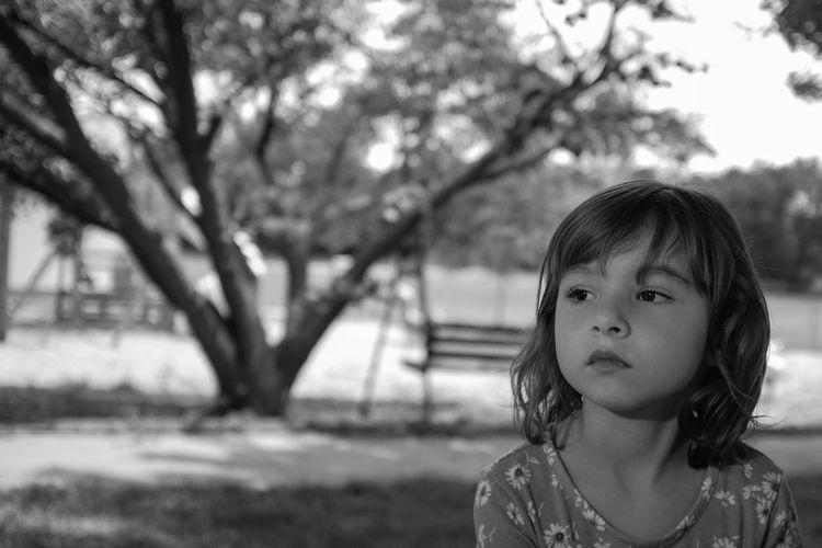 Visual Journal July 2017 Alexandria, Nebraska 35mm Camera Alexandria, Nebraska At The Park B&W Collection B&W Portrait Camera Work Candid Portraits Everyday Lives FUJIFILM X100S Photo Essay Storytelling Visual Journal Always Taking Photos B&w Photography Candid Photography Childhood Close-up Cute Daughter Day Dynamic Tension Eye For Photography Focus On Foreground Girls Innocence Kidsphotography Lifestyles Off Camera Flash One Person Outdoors Pensive Mood Photo Diary Portrait Practicing Photography Real People Small Town Stories Tree