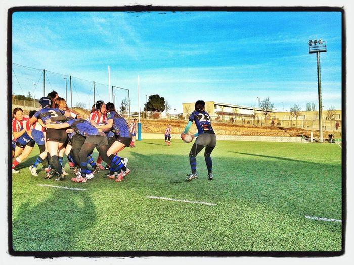 Vero, 52 Años, 35 En Activo Jugando Al #rugby... #mamindus #aúpaindus #iloverugby #rugbylife #rugbyfamily @viico_10 Y @tatixu22 Son Sus Hijas Y Juegan Con Ella...
