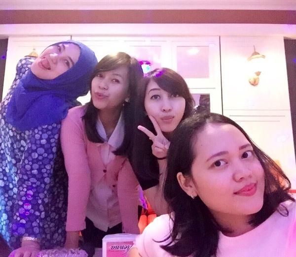 Friendsdayout Happy :) Singasong