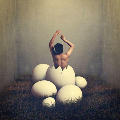 誕生之日 Fine Art Photography Egg Birthday Self Portrait BoShiuan Shiuanphoto Surrealism Photoshop