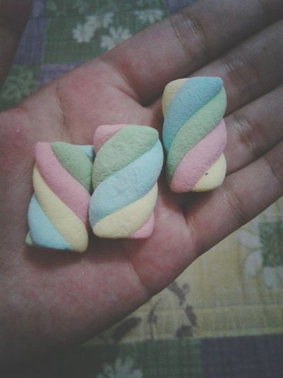 Mashmallow Rainbow Sweets