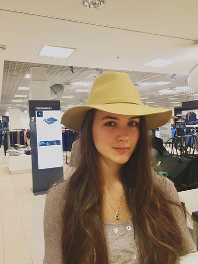Does it suit me? 😜 Hello World Shopping Check This Out Hat Day-off Have A Good Time