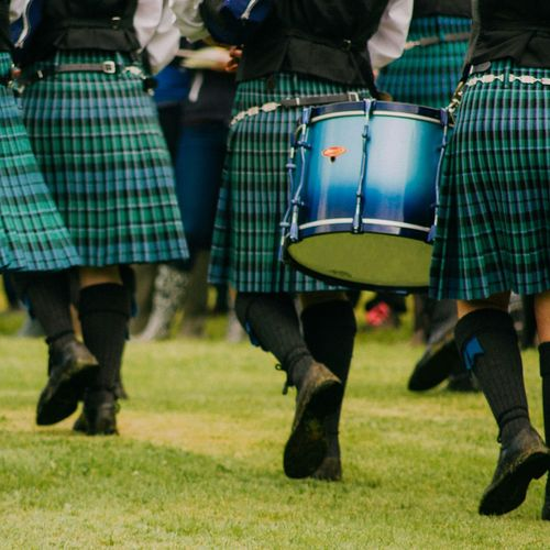 Inveraray Drums Piperband Marching Scotland