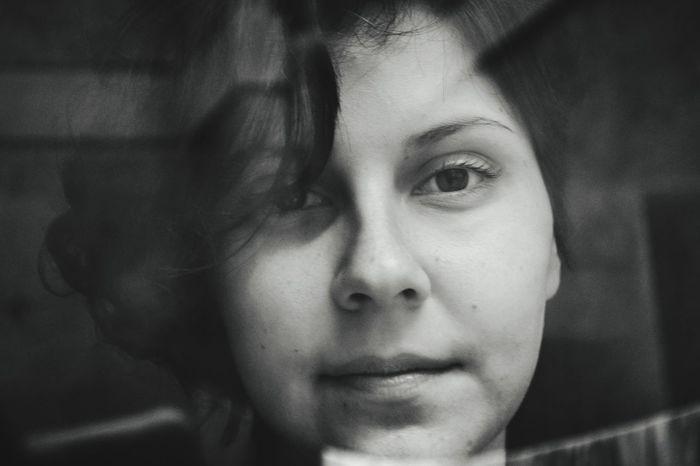 """Tive a oportunidade de fotografar a Nádia Malena, para o meu projeto """"AMOR, A CASA ESTA VAZIA"""", que é um tumbler homoerótico. O endereço do blog é rafaellcavaglhyery.tumblr.com e meu site é rafaellcavaglhyery.com. Logo menos, postarei o ensaio completo. Acompanhe, siga e compartilhe, mostre que o amor é para todxs. Gay Rafaellcavaglhyery Photography Blackandwhite Tumblr Feminism Freedom Film Campinas OpenEdit"""