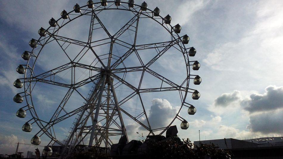 Ferris Wheel Morning