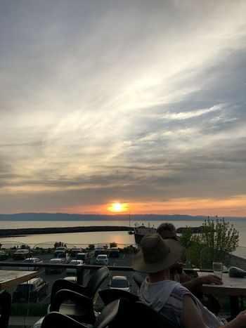 2017, June 8th Sunset Canada Quebec Microbrasserie Fleuve Saint-Laurent Fleuve Sky Cloud - Sky Water Horizon Over Water Lifestyles