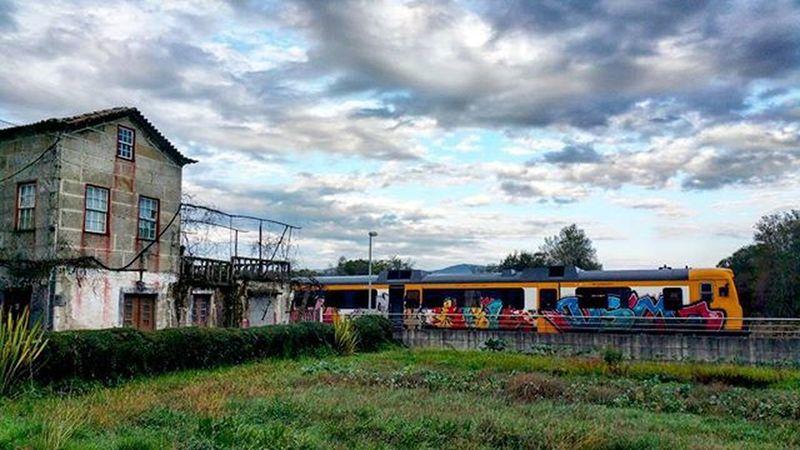 Ferrocaril Tren Casa Casavieja Portugal Viajes  Grafiti Grafitiart Destroy Encantada Photo Fotografia Foto Paisajes Imagen Photopaisaje