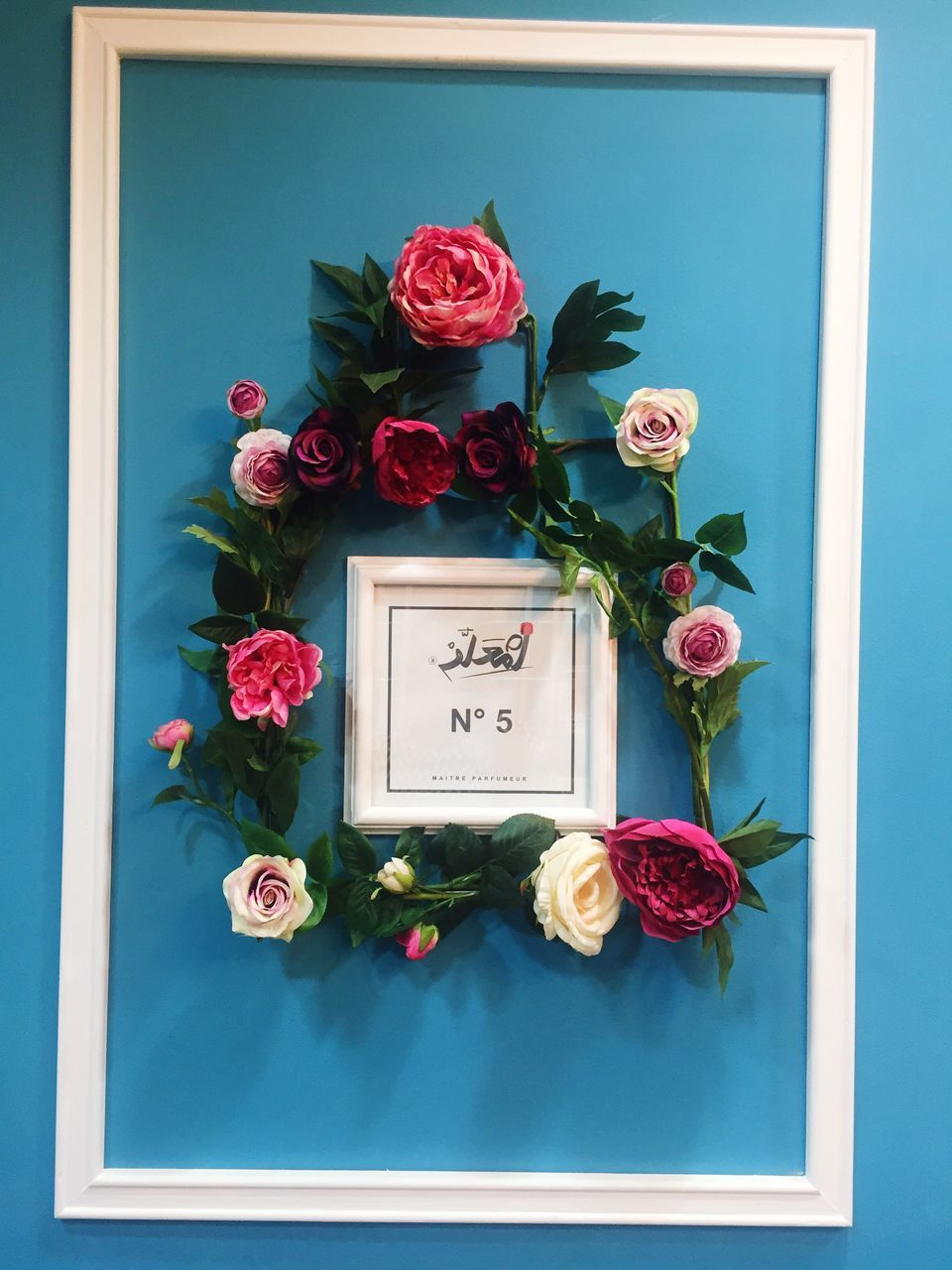 flower, rose - flower, western script, text, no people, message, communication, indoors, love, fragility, bouquet, red, close-up, day, flower head, nature, freshness, beauty in nature, gift, nameplate