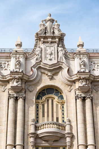 Alicia Alonso Architectural Column Architectural Feature Architecture Architecture Arts Built Structure Colonial Colonial Architecture Column Façade Facade, History Low Angle View National Theater No People Old Ornate Outdoors Sculpture Spanish Arquitecture Statue Style Travel Destinations Vintage