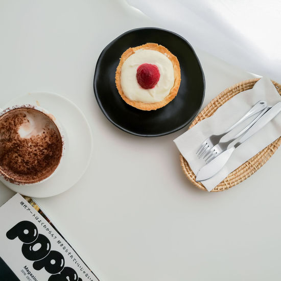 Cake Coco High Angle View Cake Dessert Food And Drink No People Sweet Food Black Color Food Indoors  Plate Baking Pan Day Close-up Freshness