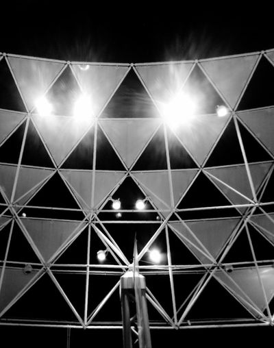 Blackandwhite Black And White Black & White Pattern Architecture Art Geometry Pattern Backgrounds Illuminated Abstract Full Frame No People