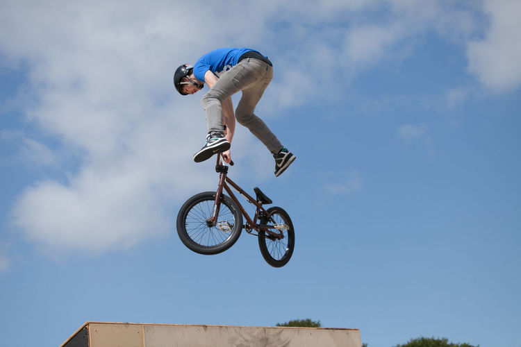 BMX stunt riders in competition Adrenaline Adrenaline Junkie Aerial Bicycle Bike Bmx  BMX Contest Bmx Is My Life BMX ❤ Bmxlife Cycling Cycling Helmet Extreme Sports Flying Full Length Helmet Leisure Activity Liverpool Mid-air Rider Riding RISK RISK Stunt Stunts