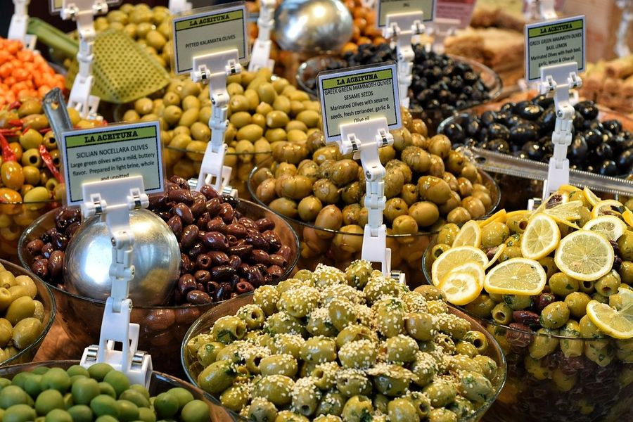 Olives Freshness Market Stall Food Fruit Food And Drink Healthy Eating Variation Price Tag Market Hungry Yet? Fresh Food Market No People Indoors  French Food Olives & Olives Lemon Slices Day Selling On The Street Stall Consumerism Retail Place Freshness