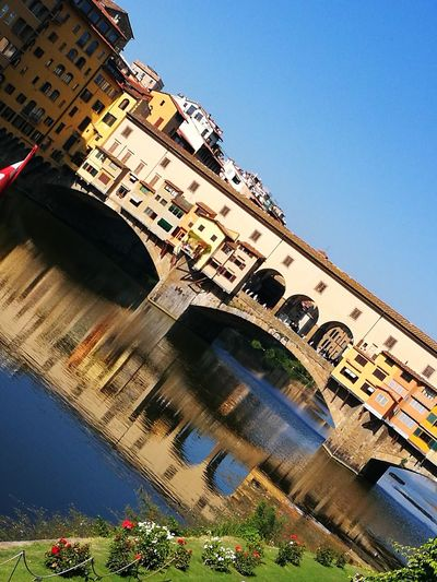 Firenze la ,Magnifica Luce Fiume Arno Ponte Vecchio, Firenze Veduta Dal Ponte Tranquility Brilliance  Acquarello City Ancient Civilization History Ancient Sunlight Sky Architecture Building Exterior Built Structure Old Ruin