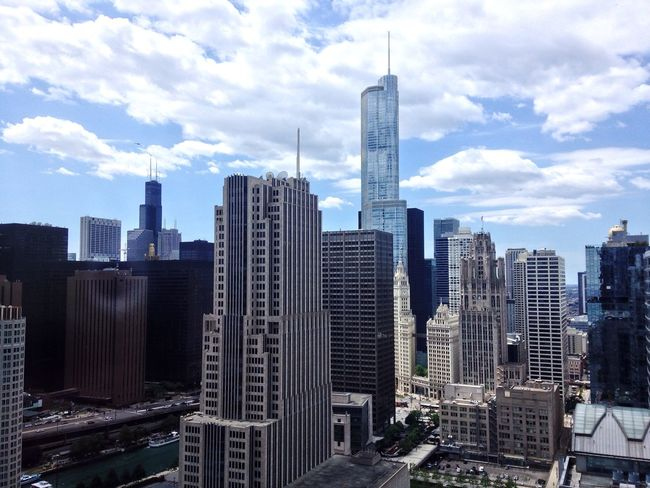 Urban Geometry Open Edit Architecture Chicago EyeEm Best Shots Cityscapes Skyline Clouds And Sky