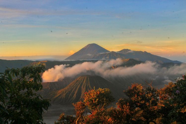 Sunrise Mountain Bromo Mountain SemeruMountain Eastjava Life EyeEm Nature Lover Eyeem Nature EyeEm Gallery EyeEm EyeEm Mountains Collection