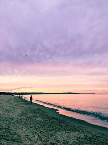 Sunset Sunset Beach Beauty In Nature Horizon Over Water Water Nature Sky Cloud - Sky Idyllic Vacations Colour Your Horizn