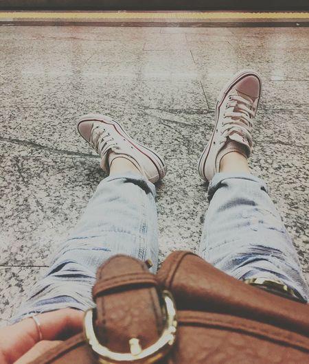 Fashion Lifestyles Shoe Day Women Human Body Part White Esperando