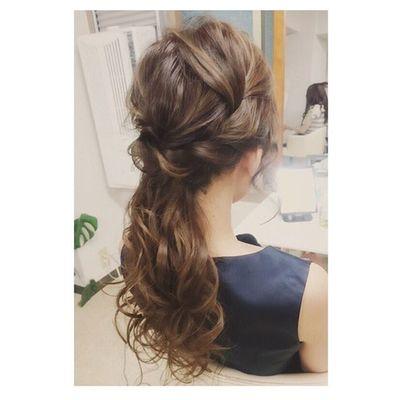ヘアセット Hairアレンジ ヘアアレンジ Hair 美容院 錦 セットサロン 成人式 ヘアー クルリンパスティック 編み込み Byshair Locari 波ウェーブ ブライダル 過去のセットですが、、、 下目のポニーテール♡