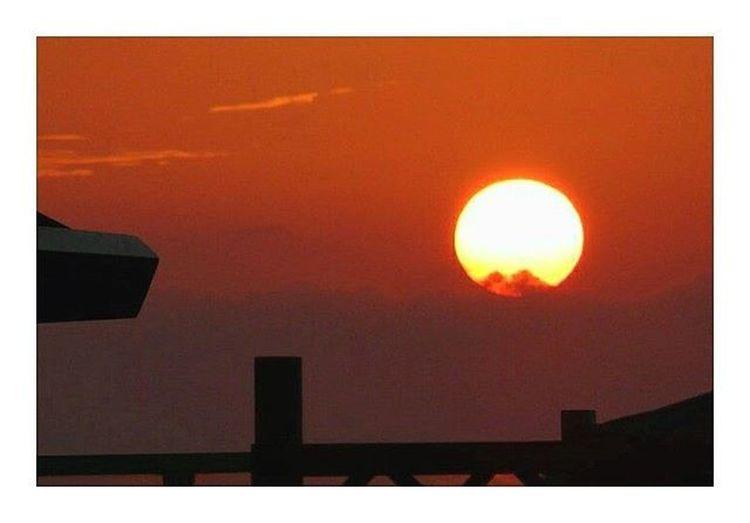 Un niño siempre puede enseñar tres cosas a un adulto: 1_ Ponerse contento sin motivo. 2_ Estar siempre ocupado con algo. 3_ Saber exigir con todas sus fuerzas aquello que desea. 🌍❤🌞🌅🔝❕ ________________________________________________ Sunset Atardecer Igatardecer SanJuanDeLaArena Asturias Asturies Sotodelbarco Memoriesoftuenti Lifeisbeautiful Goodday Sanjuandelaarenaplaya Sun Sunigers Photoofday Picoftheday Asturiaspatriaquerida Memories Vscocam VSCO Picsart