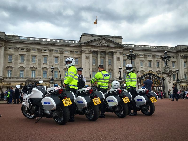Met police outside Buckingham Palace yesterday as Theresa May was invited to become Prime Minister London Uk England Britain Police Policeman Politics Buckingham Palace
