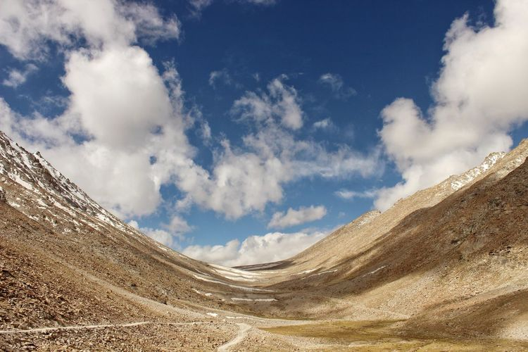 Scenic view of mountains in Leh. EyeEmNewHere Photography Getty Images Ladakh Sand Dune Desert Arid Climate Sand Mountain Sky Landscape Cloud - Sky