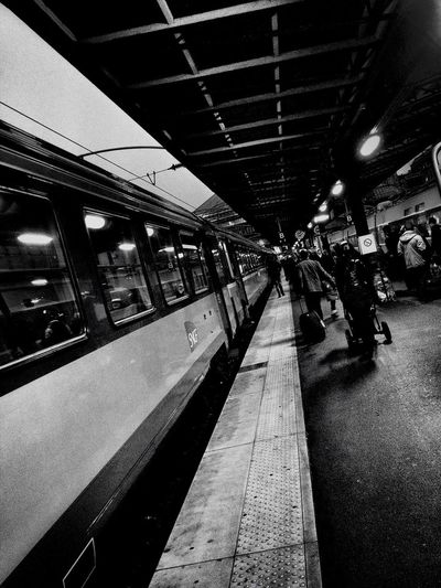 Train Station BNW PARIS Bw_collection