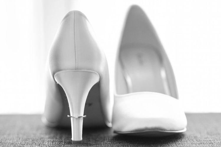 Wedding Wedding Photography Wedding Day Bride Shoes Making Ready Ring White Www.mitsarakis.de #Weddings Around The World Weddings Around The World