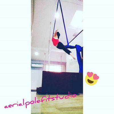 Aerialsilks Aerialfit Aerialpolefitstudio Telas Miprofeeslamejor Acrobaticgymnastics Strongirl💪